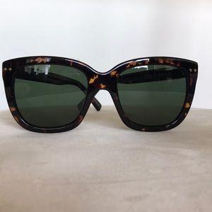 NWOT, CH sunglasses 😎